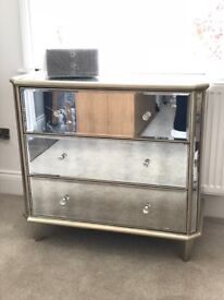 Mirrored Chest of Drawers.