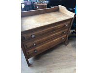 Oak Chest of Drawers , very good quality and condition . L 39in D 17in H 34in. Free Local Delivery