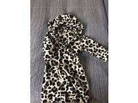 Black and White leopard print dressing gown age 5-8