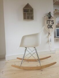 Eames reproduction RAR rocking chair white & wood