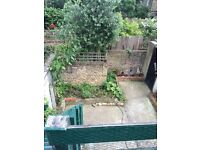 Single room. shared garden, toilet and kitchen. good location. cheap rent.