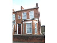 2 double rooms available in a 5 bedroom house in Melrose street Belfast.