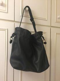 Adjustable leather mesh bag