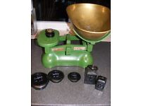 Set of large Avery scales with brass bowl- original with weights