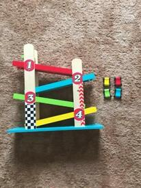 Wooden Ramp Toy with 4 Cars