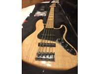 American Deluxe Fender Jazz 5 String Bass