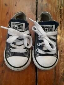 Toddlers converse size 5