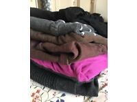 6 item bundle of maternity clothes