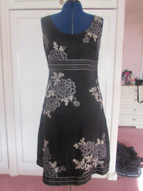 Monsoon black floral fully lined silk blend dress Size 14 Excellent condition