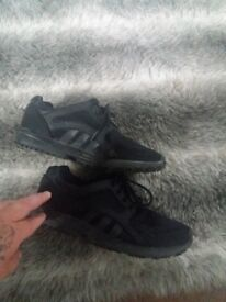 addidas trainers size 5 black