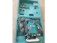 Makita router. Warranty, 3bits, case, used one time, works perfectly. Selling because I need 110