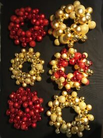 Christmas Baulble Wreath and Silver hanging Baulbles