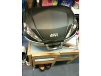 GIVI V56 Top box and M5 Base plates