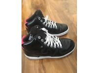 Trainers Nike size 3