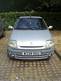 FOR SALE: Renault Clio 1.6v RSI. Very good condition. Only 80500 miles. MOT until 15/02/19.