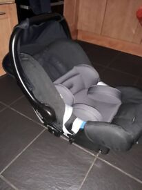 Brittax group 0 plus Car Seat with rain cover