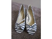 striped summer shoes new with tags