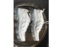 Nike vapormax/vapourmax plus