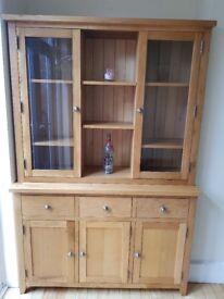 Solid Oak Dresser Good as new