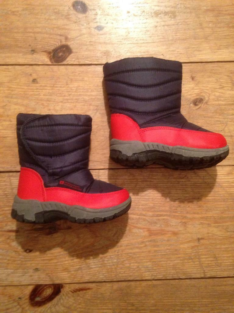 Toddler size 7 snow boots