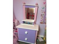 KIDS ROOM CHEST OF DRAWERS AND MIRROR SET IN EXCELLENT CONDITION
