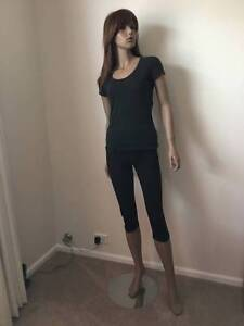 Mannequin-Female very sturdy Prestons Liverpool Area Preview