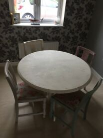 Shabby chic round dining table