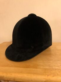 Champion junior riding hat, black - sizes: 53cm bl x 2, 55cm, 59cm, 60cm available
