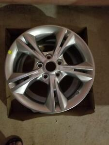 BRAND NEW NEVER MOUNTED FORD  FOCUS FACTORY OEM  16 INCH ALLOY WHEEL SET OF FOUR.  NO SENSORS.NO CENTER CAPS