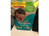 Pampers nappies full pack size 3