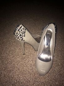 Used ladies shoes size 3