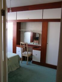 Lovely , spacious double room available in a great location - Kensal Rise