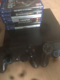 PS4 2 controllers and 7 games