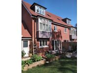 Beautiful 3 bed family home, with driveway and CAT (short rent, 4.5 month)