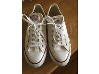 Converse Ladies. 2nd hand good condition. White size 7