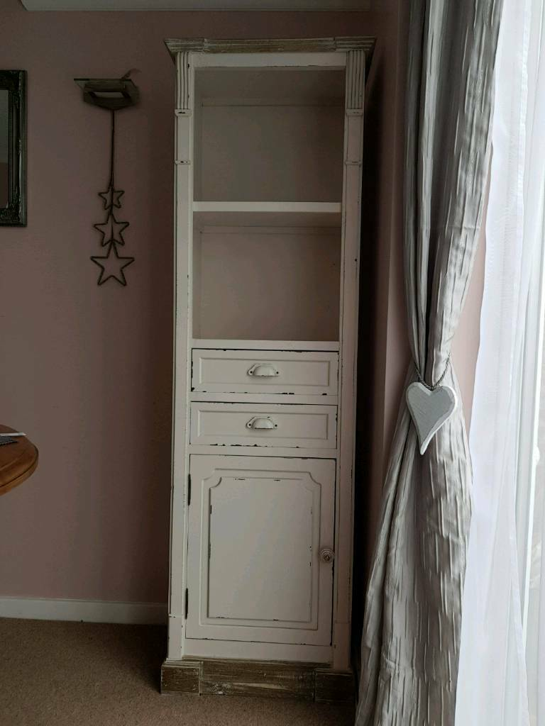 Shabby Chic Tall Antique White Display Cabinet/Cupboard