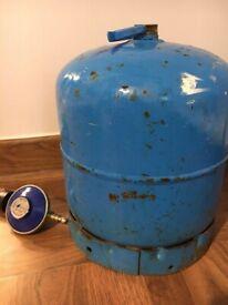 Campingaz Bottle 2.75kg and regulator - about half full (estimate)