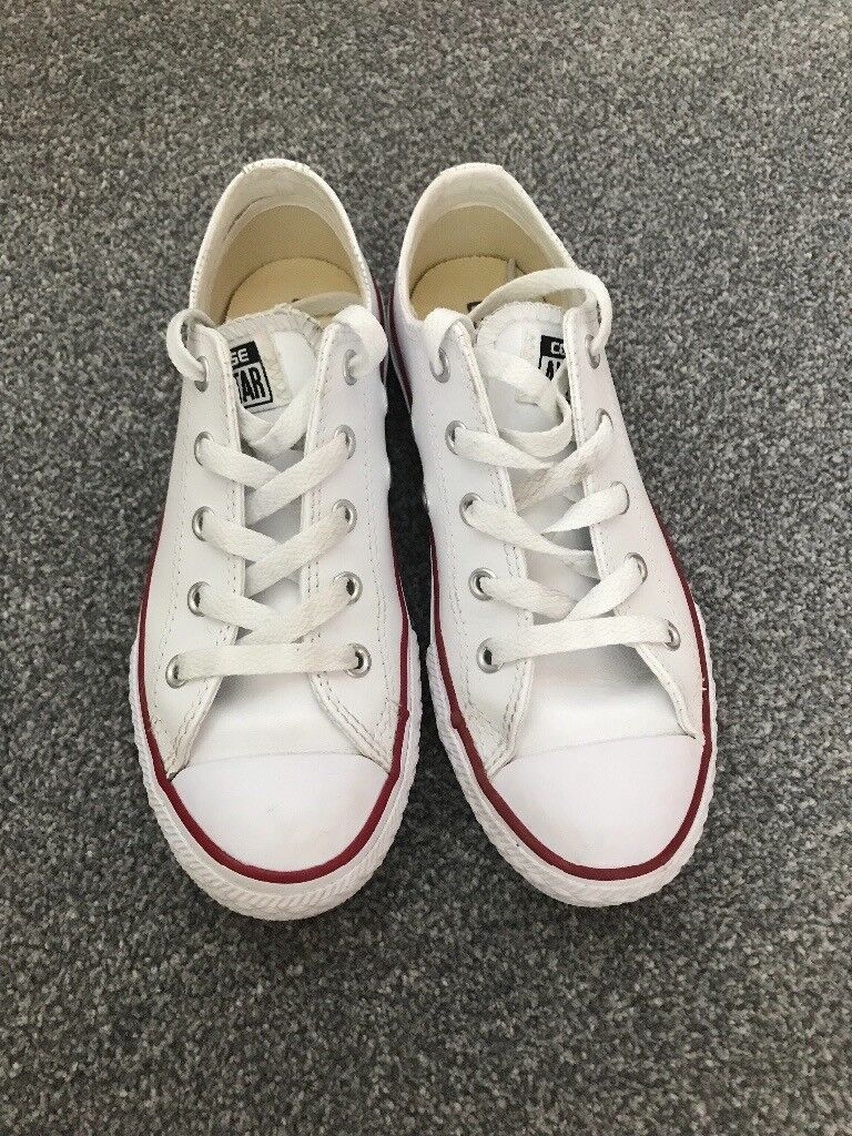 White leather Converse trainers Size 1 Juniors  0ed79d6eb