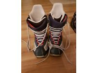 Burton Navy Blue Men's Size 8 Snowboarding Boots. Very Comfortable. Good Condition.