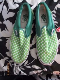 MENS VANS GREEN WITH POLKA DOTS BRAND NEW WITH TAGS STILL ON SIZE 7