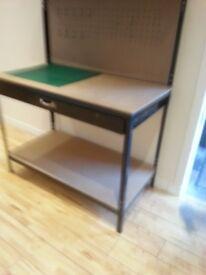 Workstation bench