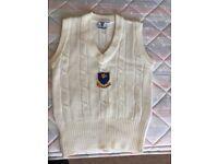Cricket sleeveless pullover size S