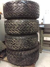 "Land Rover defender 10j x 15"" wheels 33 x 12.5 grabbers"