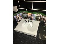 XBOX ONE S 1TB 5 GAMES
