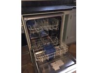 Indesit dishwasher almost new - real bargain