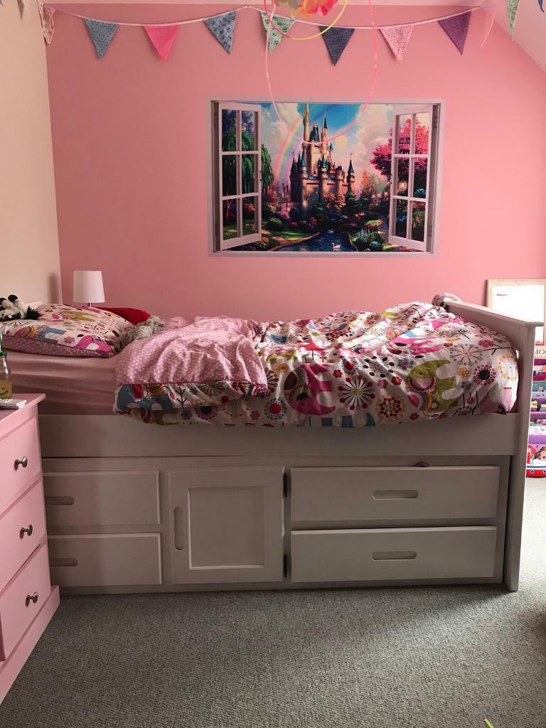 Cabin style single bed