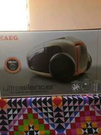 AEG ULTRASILENCER VACUUM CLEANER