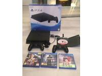 BARGAIN!! PS4 + 2 Controllers