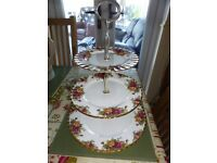 ROYAL ALBERT OLD COUNTRY ROSE CAKE STAND