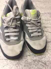 Nike Air Max Junior Size 3 Trainers
